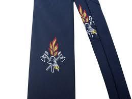 Krawatte mit Emblem